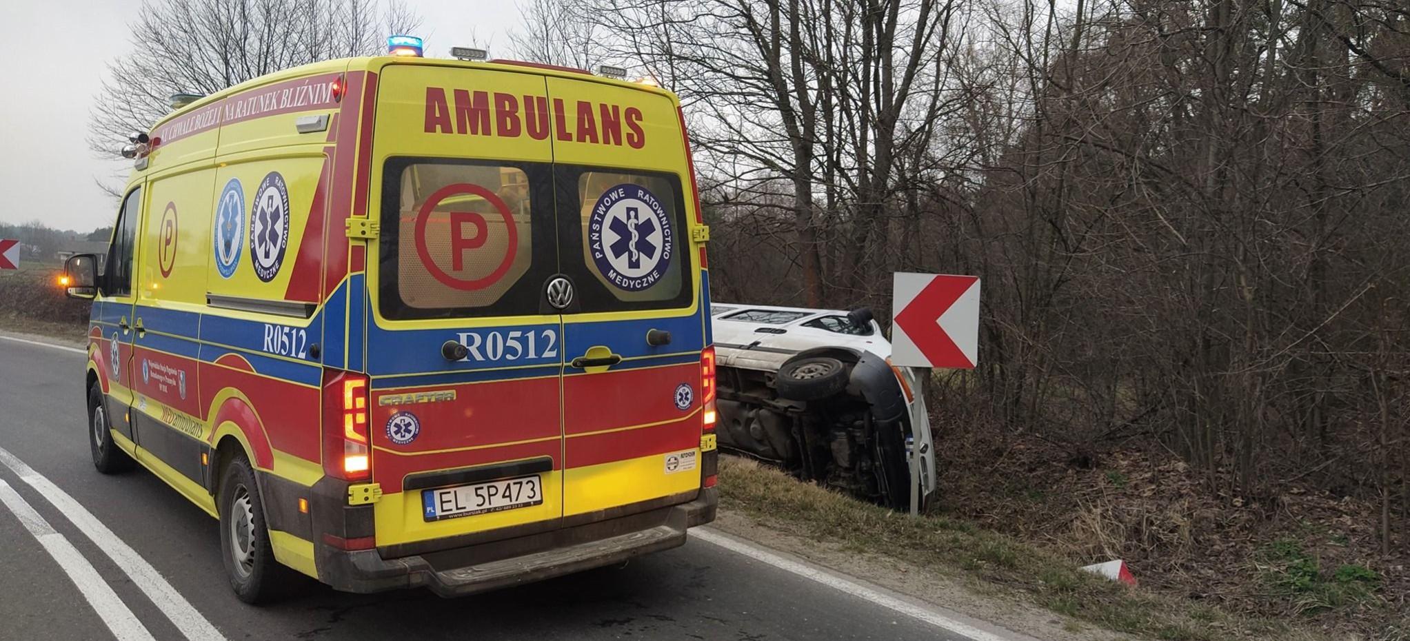 PODKARPACIE. Wypadek busa przewożącego dzieci. 7 osób w szpitalu (ZDJĘCIA)