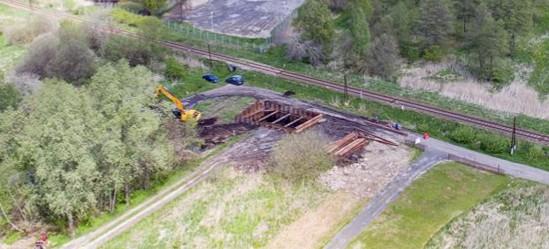 SANOK: Budowa łącznika. Trwają prace przy fundamentowaniu wiaduktu (FOTO)
