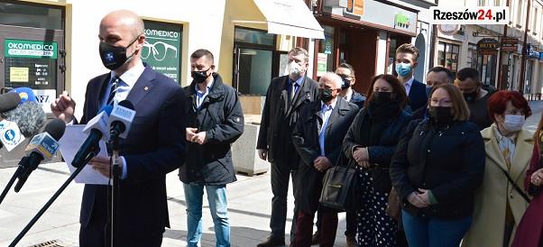 Konrad Fijołek o zmianie daty wyborów: Rząd zlekceważył rzeszowian (FOTO)