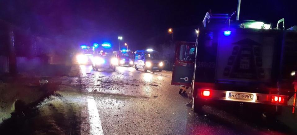 PODKARPACIE. Groźny wypadek busa! Pięć osób w szpitalu (FOTO)