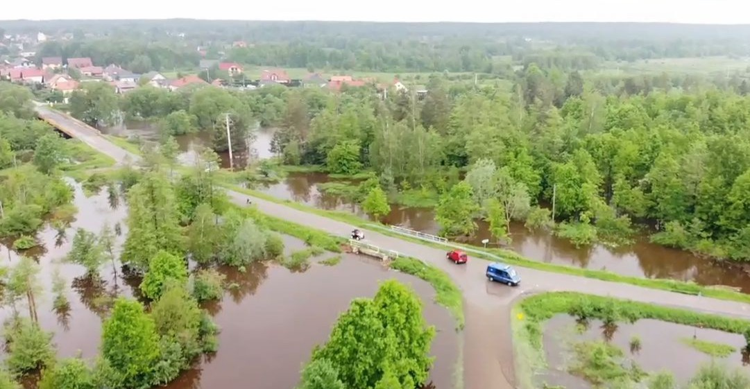 Podkarpacie walczy z powodzią. Utrudnienia na drogach (VIDEO, FOTO)