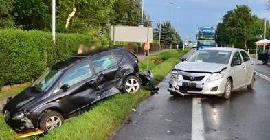 Zderzenie czterech samochodów w Iwoniczu. Pięć osób rannych (ZDJĘCIA)