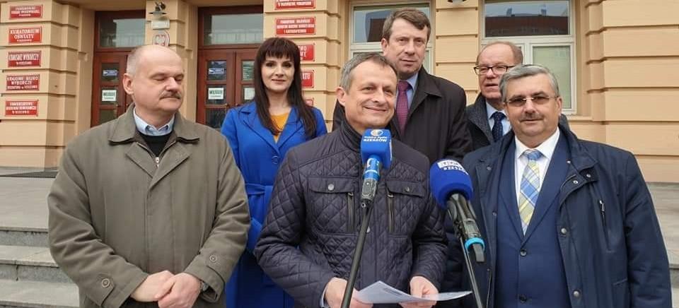 Koalicja Europejska zarejestrowała listy poparcia dla kandydatów w eurowyborach. Zobacz kto startuje (FOTO)