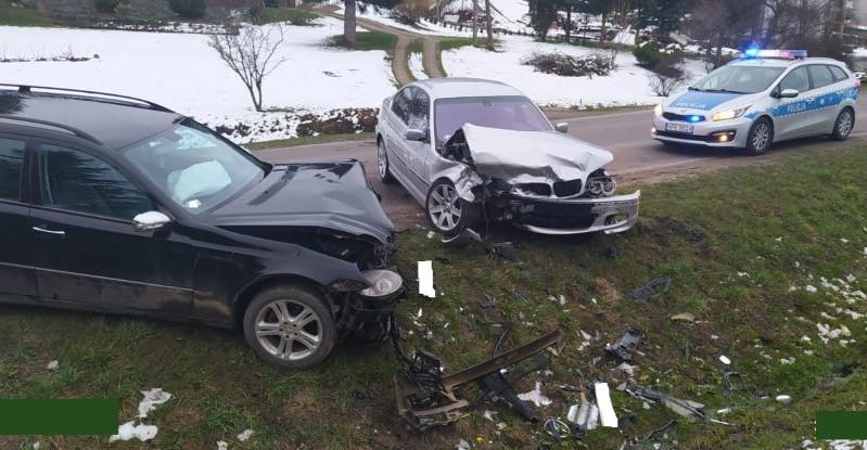 Zdarzenie z udziałem czterech samochodów w Jabłonce (ZDJĘCIA)