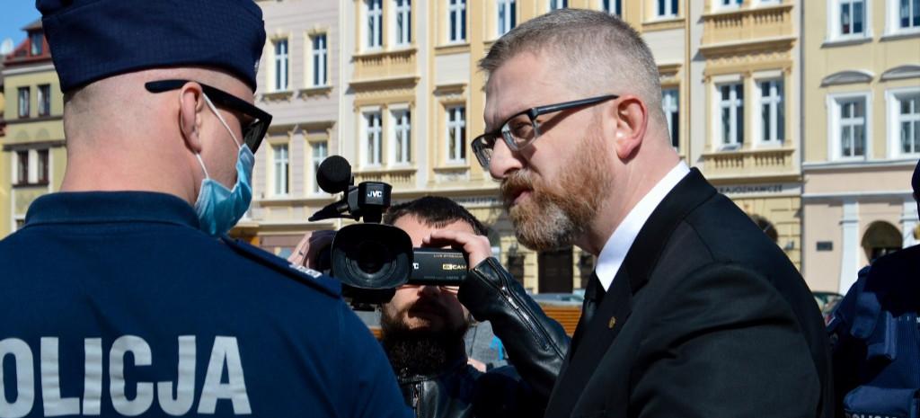 Grzegorz Braun nagrywał spot wyborczy. Interweniowała policja (VIDEO, ZDJĘCIA)