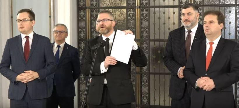 KONFEDERACJA GRZEGORZ BRAUN: Wzywamy o niezakłócanie wyborów w Rzeszowie przez policję! (VIDEO)