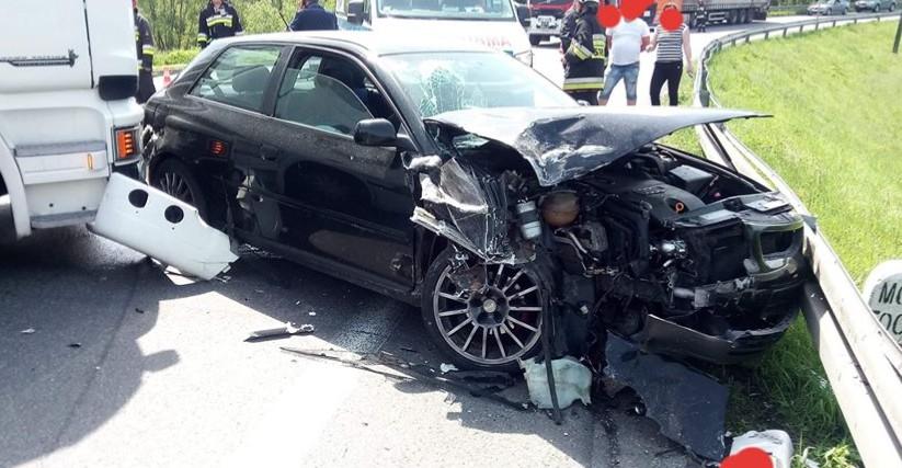 DOMARADZ: Zderzenie osobówki z samochodem ciężarowym (ZDJĘCIA)