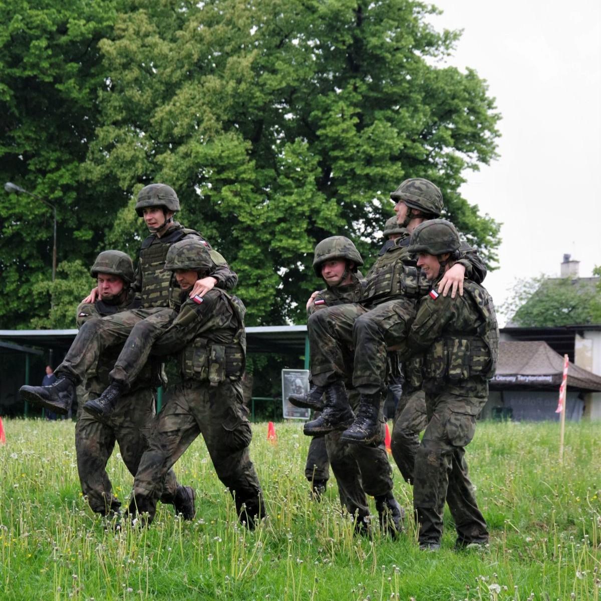 Puchar zostaje w rekach żołnierzy! Terytorialsi kontra studenci (ZDJĘCIA)
