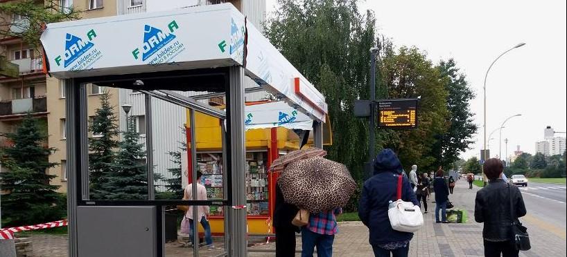 Wymiana wiat przystankowych na Krakowskiej (ZDJĘCIA)
