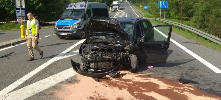 Małżeństwo z powiatu krośnieńskiego ranne w zderzeniu dwóch opli (ZDJĘCIA)