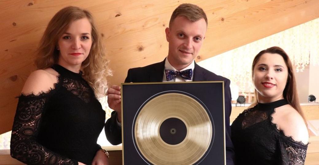 Zespół HiT SANOK nagrodzony złotą płytą! (KLIP VIDEO)