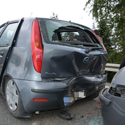 Rozbite trzy samochody, a dwie osoby w szpitalu (FOTO)