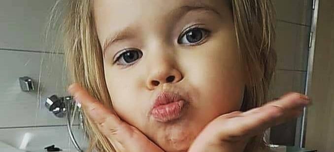 UDOSTĘPNIJ! 3-letnia Julka walczy z białaczką. Potrzebna wasza pomoc!