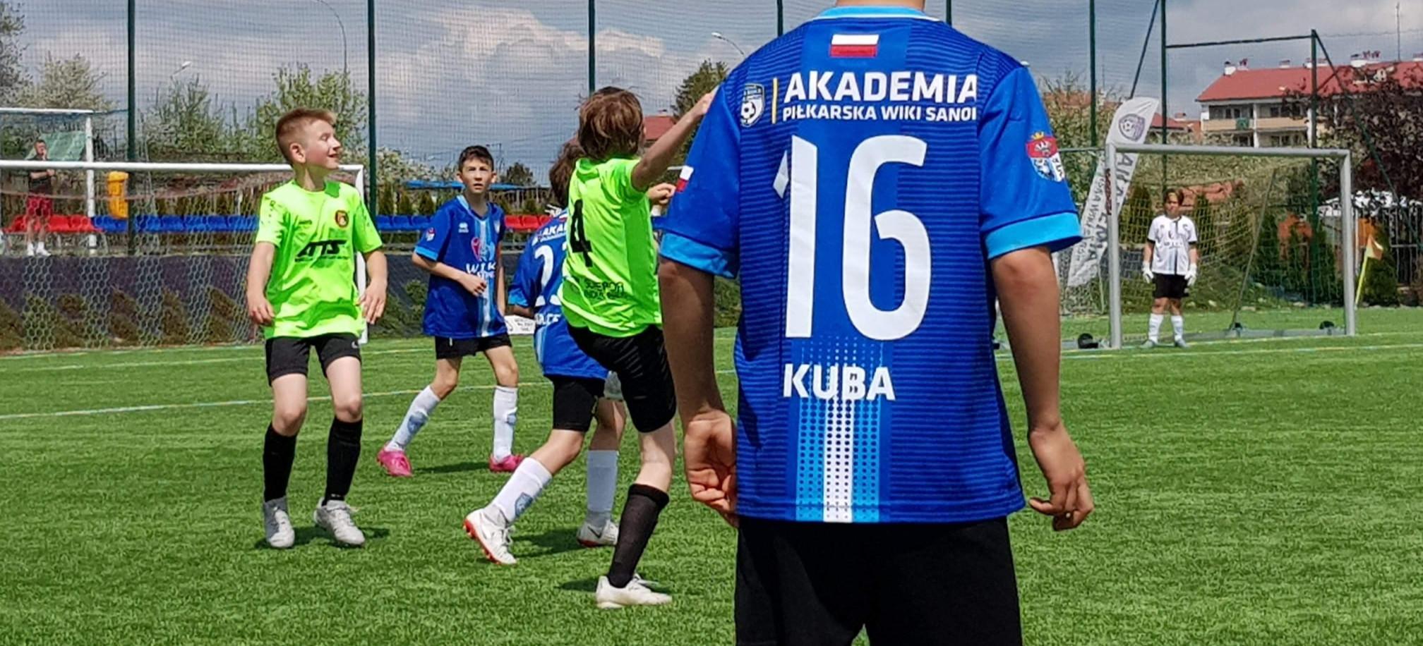 Akademia Piłkarska wprowadza innowacyjne treningi. Piłkarze będą uczyć się języka angielskiego!