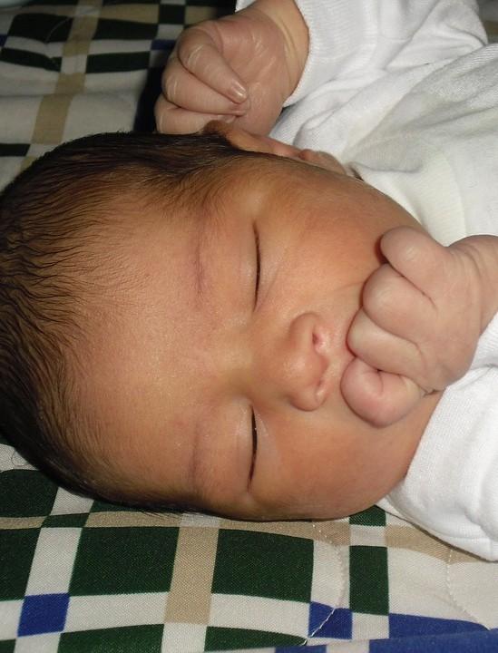 ZARSZYN: 3-miesięczne dziecko pod opieką pijanych rodziców