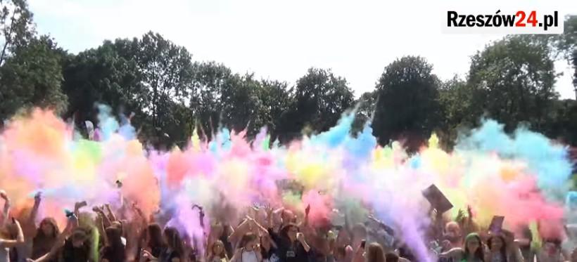 Szaleństwo kolorów już wkrótce w Rzeszowie. Będą też pokazy balonów i tańca ognia!