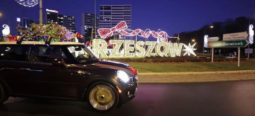 Świąteczne auto w Rzeszowie! Filmik z przesłaniem (WIDEO)