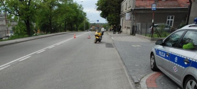 Wypadek w Jarosławiu. Motocyklista został ciężko ranny! (FOTO)