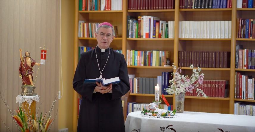 Wielkanocne życzenia biskupa rzeszowskiego Jana Wątroby (WIDEO)