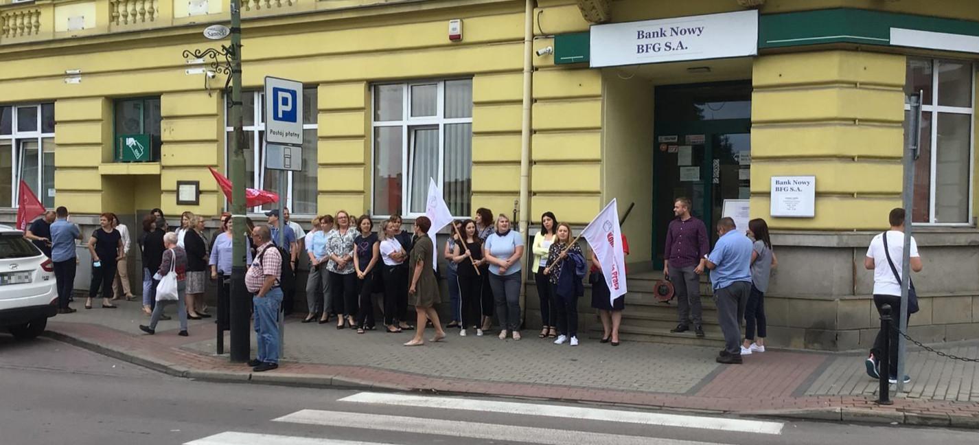 Protesty pracowników dawnego PBSu. Czy dojdzie do strajku generalnego?