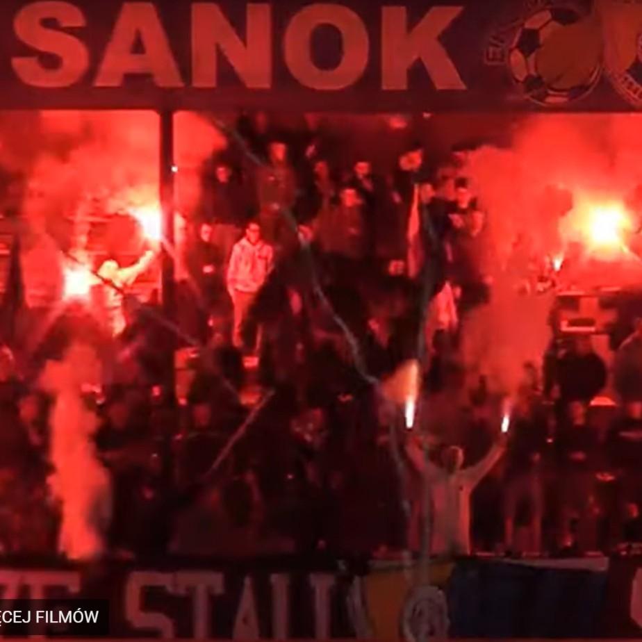 Zachowanie kibiców podczas meczu Stal Sanok - JKS Jarosław (zobacz VIDEO)