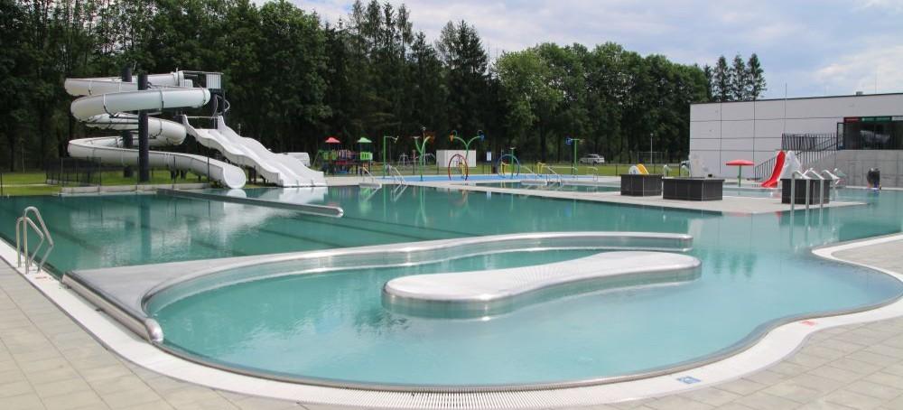 SANOK: Znamy datę otwarcia basenów zewnętrznych! Ceny i promocje (FILM, ZDJĘCIA)