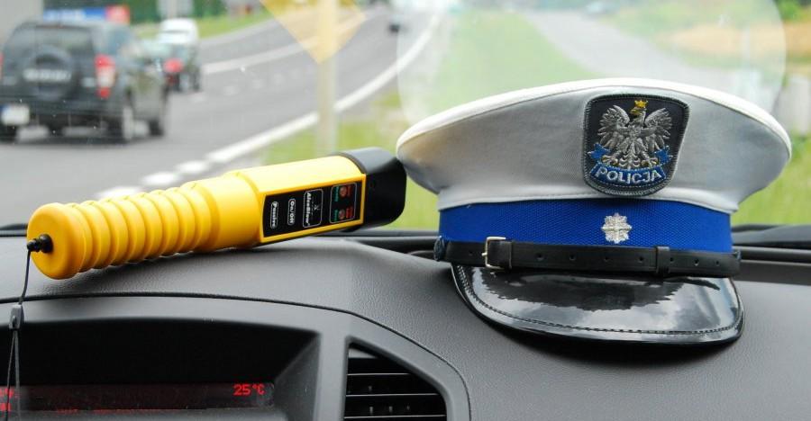 PODKARPACIE: Pijany 22-latek uczył się jeździć samochodem