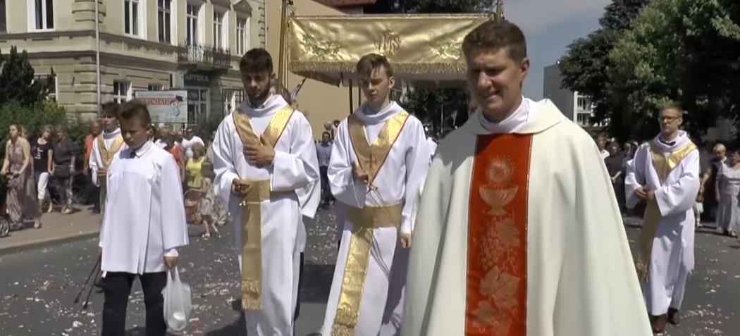 Święto Bożego Ciała w Brzozowie (RELACJA VIDEO)