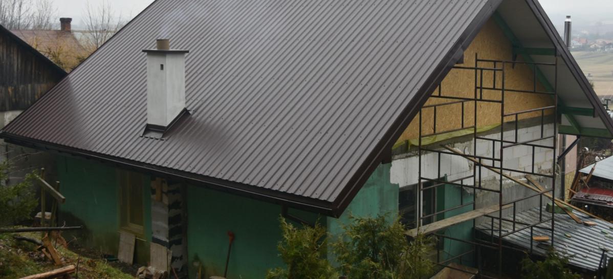 Gmina Brzozów pomogła w odbudowie dachu