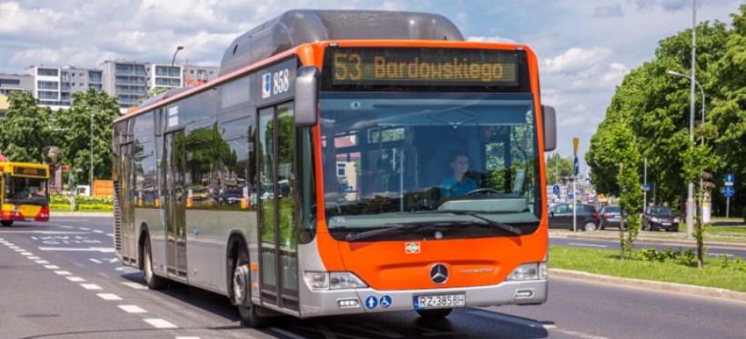 ZTM: Zmiana limitów miejsc w autobusach, wznowienie obsługi klienta