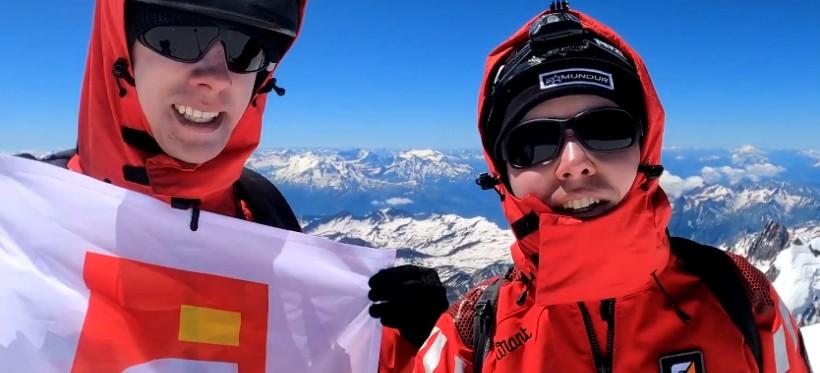 Absolwent rzeszowskiego WSIiZ-u zdobył Mount Blanc. Akcja charytatywna! (WIDEO)