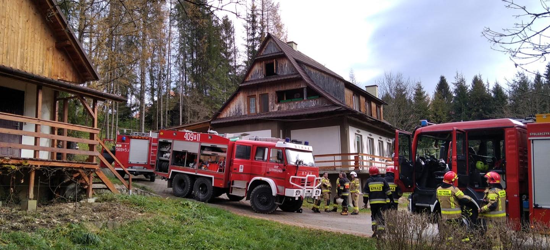BIESZCZADY: Pożar poddasza w budynku mieszkalnym