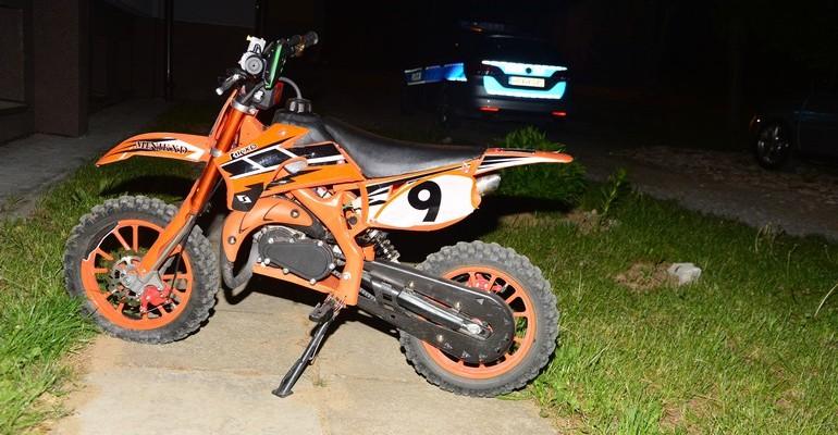 8-letni motorowerzysta zderzył się z oplem. Kierowca samochodu pijany