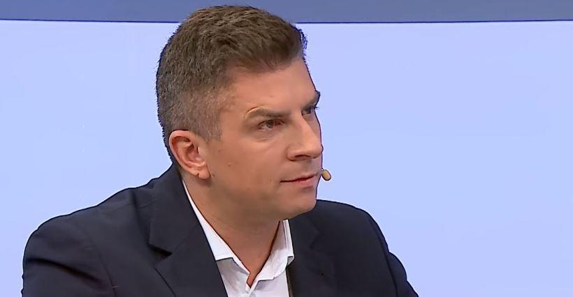 Mateusz Borek skomentuje mecz Pucharu Polski w Boguchwale! Będą też znani YouTuberzy (WIDEO)