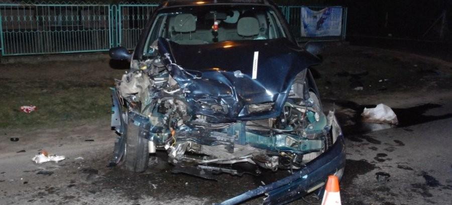 Wiązownica: Czołowe zderzenie dwóch pojazdów (FOTO)