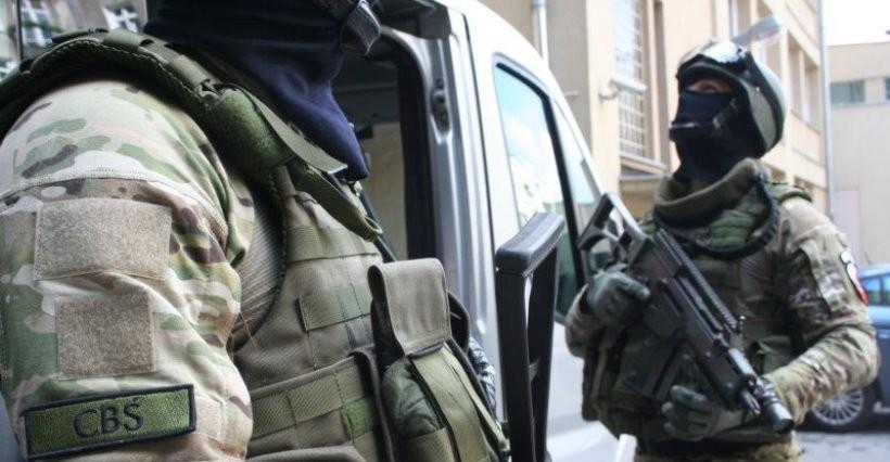 Funkcjonariusze CBŚP z Rzeszowa zatrzymali podejrzanych o przemyt marihuany
