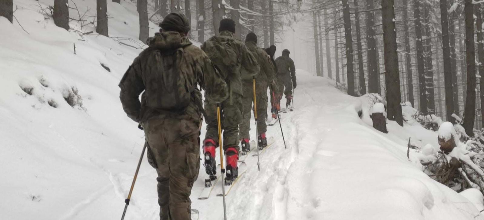 Żołnierze z Sanoka uczyli się podstaw wspinaczki i ratownictwa górskiego (ZDJĘCIA)