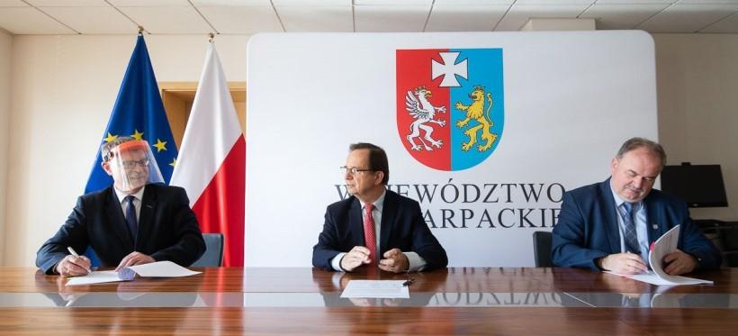 PODKARPACIE. Wsparcie Urzędu Marszałkowskiego na małą retencję i drogi
