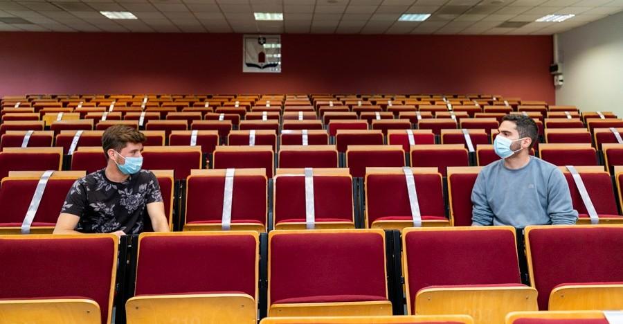 WSIiZ: Kolejny rok akademicki w trybie nauczania hybrydowego