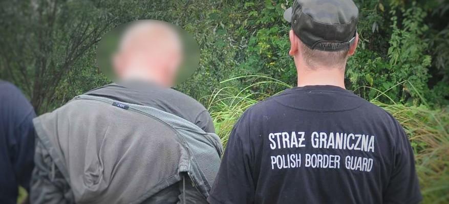 Ukrainiec nielegalnie przekroczył granicę. Schował się w rzece (FOTO)