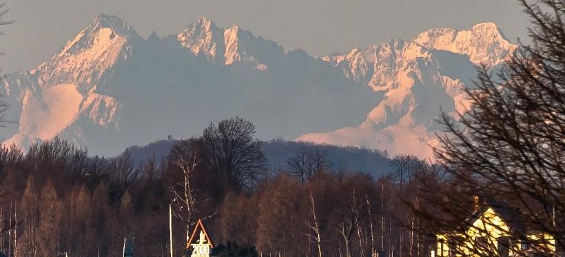 PODKARPACIE. Słoneczny poranek z widokiem na Tatry. Zobacz zdjęcia! (FOTO)