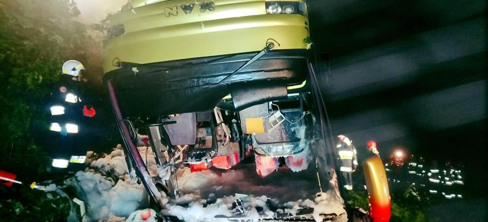 Tragiczny wypadek na trasie Sanok-Przemyśl. Nie żyją 3 osoby (FOTO)