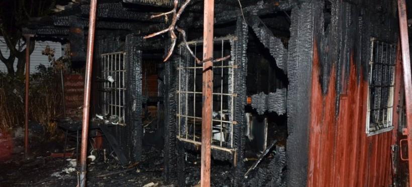 RZESZÓW. Tragiczny pożar altanki przy ulicy Architektów! Nie żyje kobieta (FOTO)