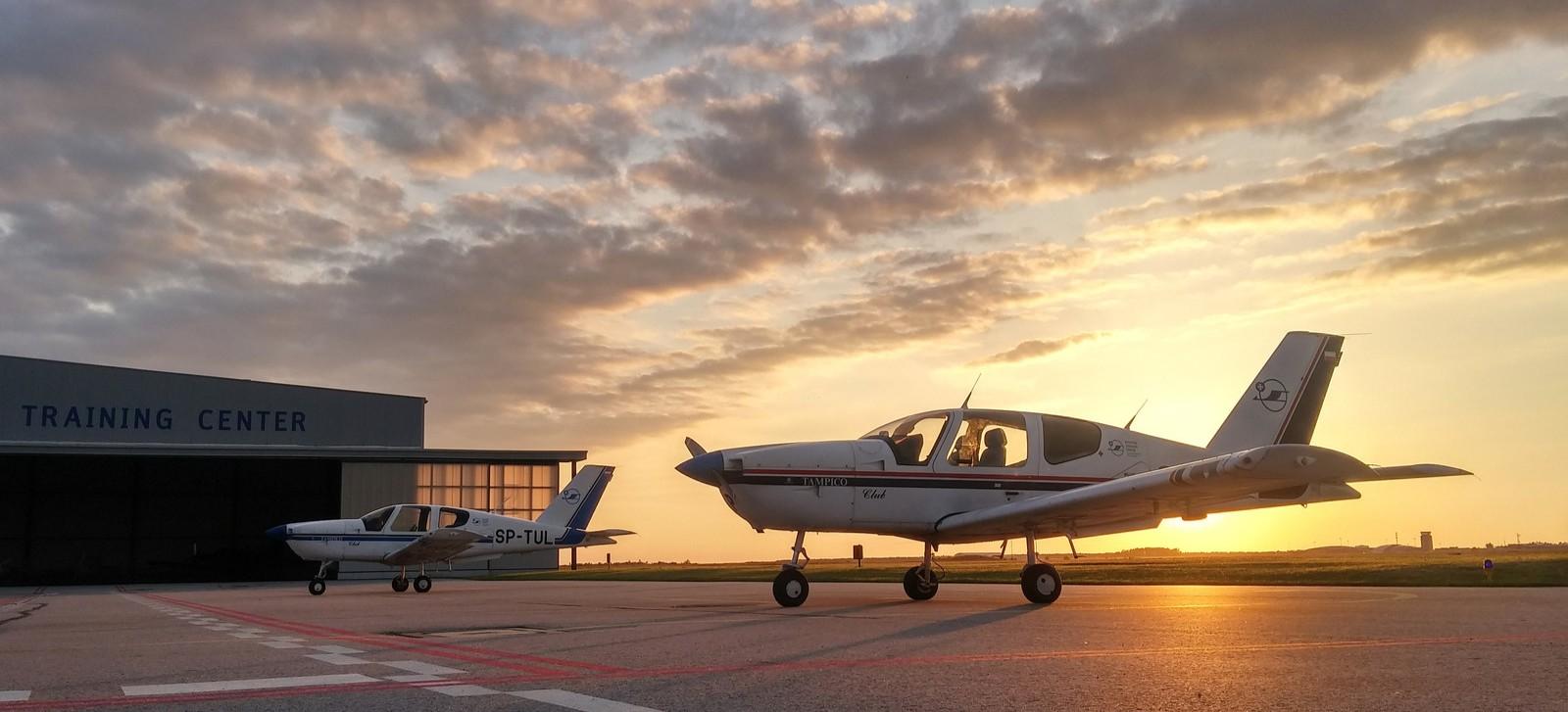 Rekordowy rok kształcenia lotniczego na PRz – 30 osób z licencją pilota liniowego