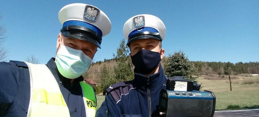 Sporo wyzwań dla policjantów w czasie pandemii koronawirusa (ZDJĘCIA)