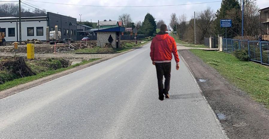 """INTERWENCJA: Piesi chodzą ulicą. """"Musi dojść do tragedii?"""" (VIDEO)"""