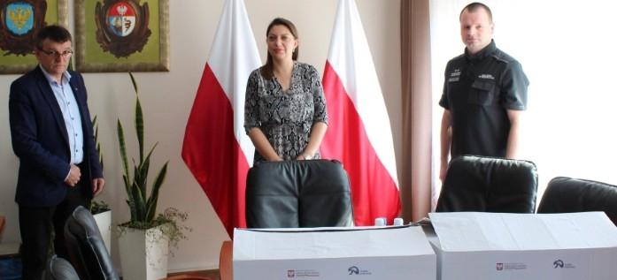 Zakład Karny w Łupkowie przekazał maseczki do Starostwa Powiatowego w Sanoku
