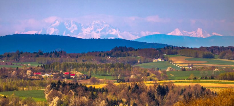 PODKARPACIE. Poranek z pięknym widokiem na Tatry (ZDJĘCIA)