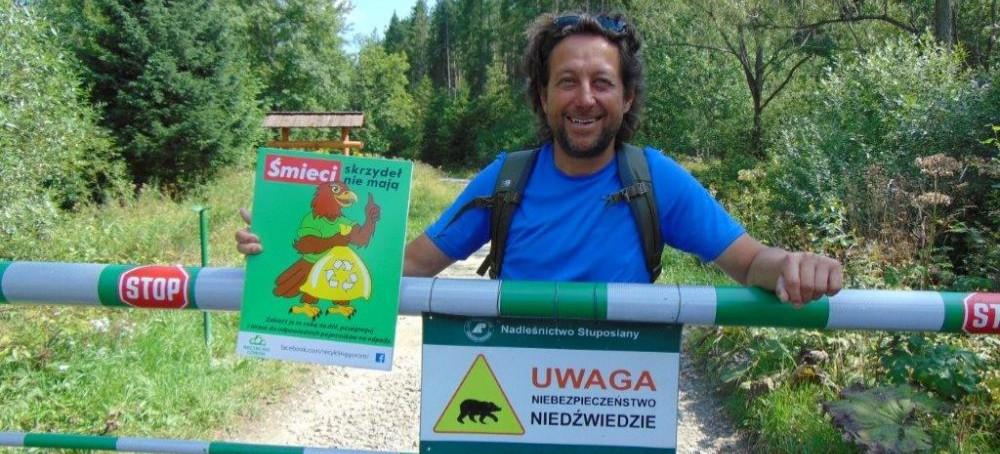BIESZCZADY: Orzeł ekolog przestrzega: Śmieci skrzydeł nie mają!