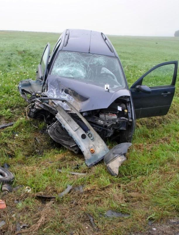 Uciekł z miejsca wypadku zostawiając w samochodzie pijanego pasażera. Mówi, że był w szoku